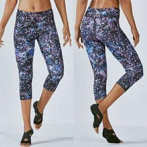 Fabletics Women's Yoga Capri Pants NEW